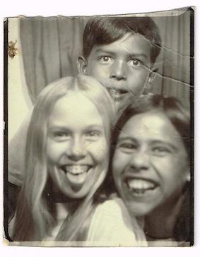 photoboothDonna-MeCarlosBessie1969