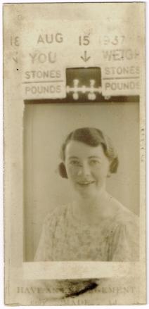 photoboothPhotoWeighAug15:1937