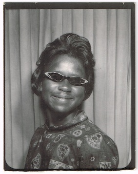 photoboothCatsEyeGlasses01