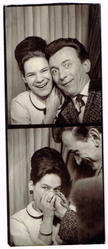 photoboothSerbianCouple