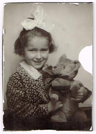 photoboothgermanychildwith-teddy